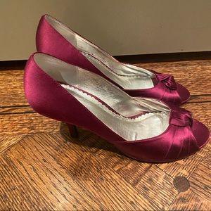 Roberto Vianni Satin Heels Size 9